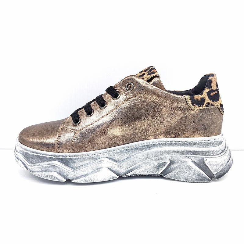 Chiara Luciani sneakers sinistra