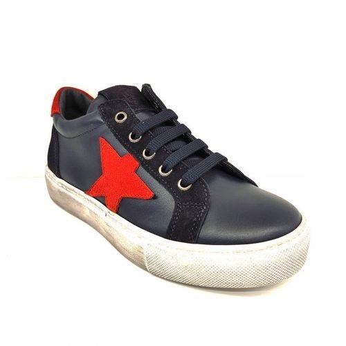 Chiara Luciani sneakers blu con stella rossa fronte