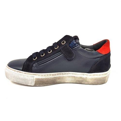 Chiara Luciani sneakers blu con stella rossa sinistra
